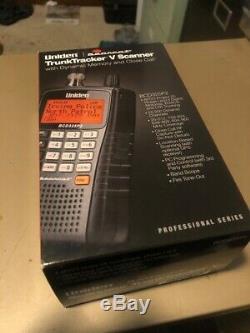 Uniden BCD325P2 TrunkTracker V Digital Handheld Scanner Bundle